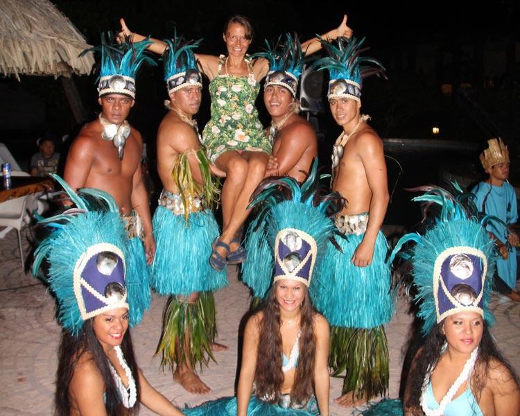 Танцевальная группа на Мурее